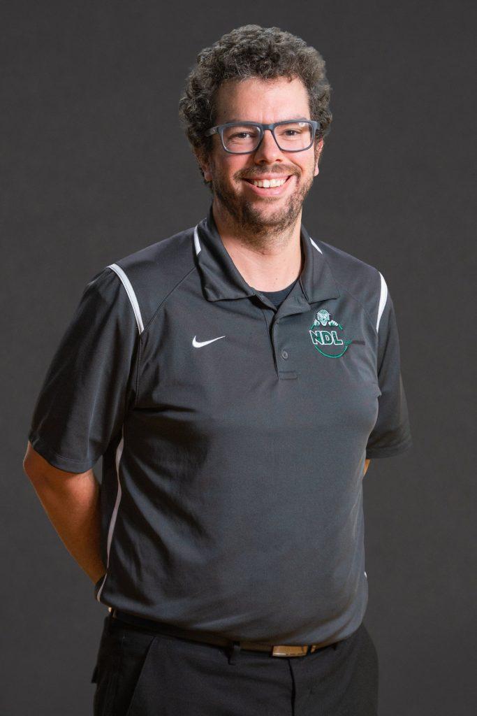 Julien Larrivée, coordonnateur des sports, Prédateurs du Collège Notre-Dame-de-Lourdes